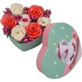 Aranjament floral 7 trandafirii cutie inima , flori de sapun, rosu, alb, roz, 11x9x6 cm