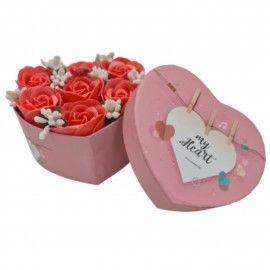 Aranjament floral 7 trandafiri cutie inima, flori de sapun, rosu, 11x9x6 cm